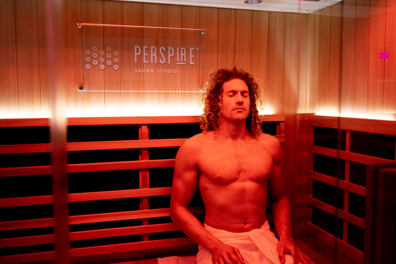 red-light-therapy-in-sauna